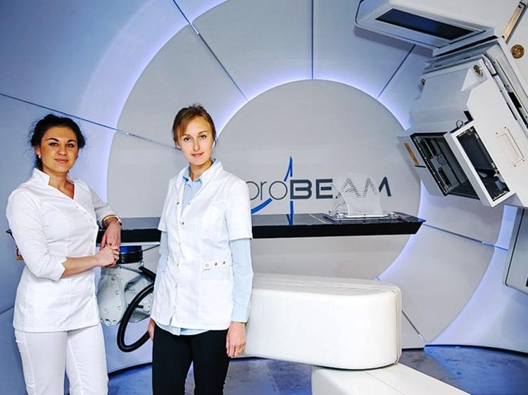 Врачи МИБС используют метод протонной терапии при лимфомах